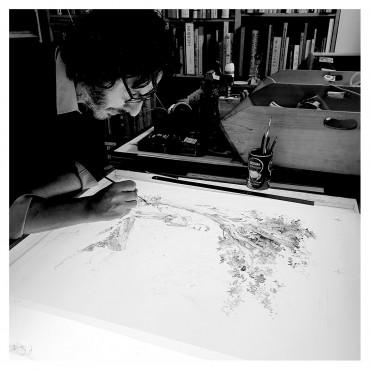 Luigi Critone préparant la deuxième couleur (lavis encre de chine).